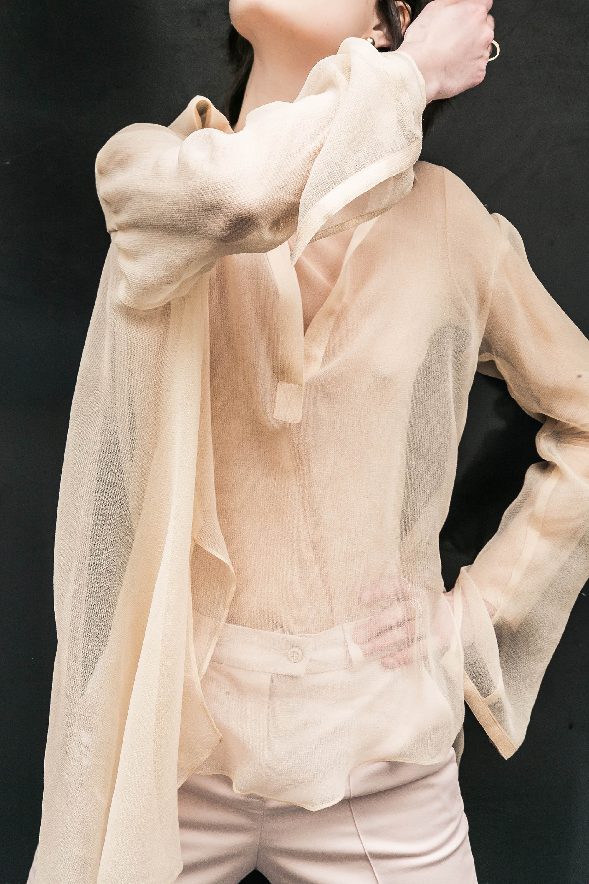 adel-astree-blouse-driss-poudre-1